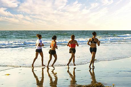 Läufer am Strand